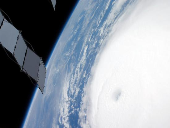 stocktrek-images-category-4-hurricane-ike-from-international-space-station-220-miles-above-the-earth