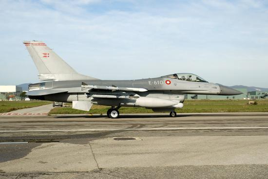 stocktrek-images-f-16a-mlu-falcon-from-the-royal-danish-air-force-taxiing-at-grosseto-air-base
