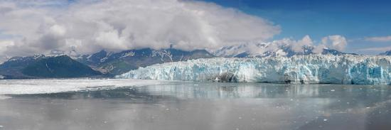 stocktrek-images-overview-of-disenchantment-bay-and-the-hubbard-glacier