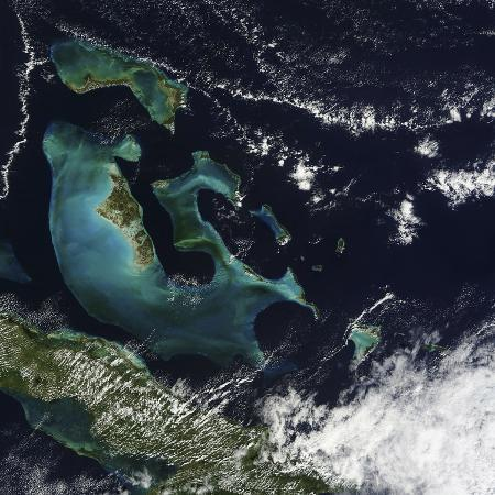 stocktrek-images-satellite-view-of-the-bahama-islands-in-the-atlantic-ocean