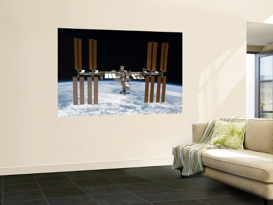 stocktrek-images-the-international-space-station-in-orbit-above-earth