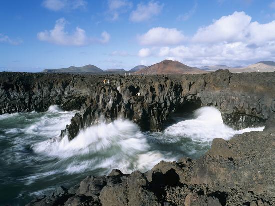 stuart-black-los-hervideros-el-golfo-lanzarote-canary-islands-spain-atlantic-europe