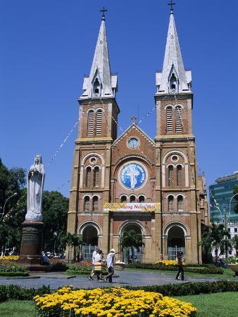 stuart-black-saigon-notre-dame-basilica-french-colonial-architecture-ho-chi-minh-city-saigon-vietnam-indoc