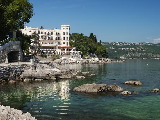 stuart-black-view-along-promenade-opatija-kvarner-gulf-croatia-adriatic-europe