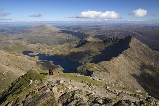 stuart-black-view-from-summit-of-snowdon-to-llyn-llydaw-and-y-lliwedd-ridge