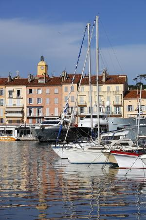 stuart-black-yachts-in-harbour-of-old-town