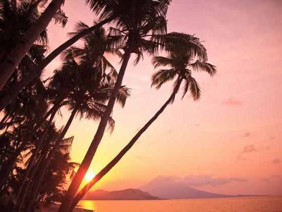 stuart-westmorland-lewolin-village-illi-api-island-selat-boleng-strait-indonesia