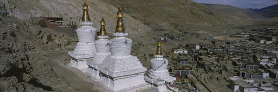 stupa-buddhist-stupas-tibet