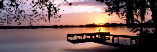 sunrise-over-lake-whippoorwill-orlando-florida-usa