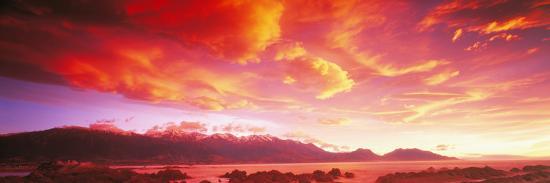 sunset-kaikoura-south-island-new-zealand