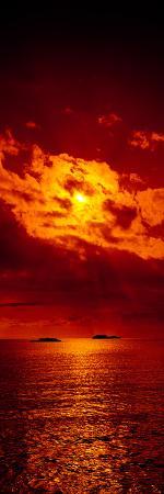 sunset-over-the-atlantic-ocean-cat-island-bahamas