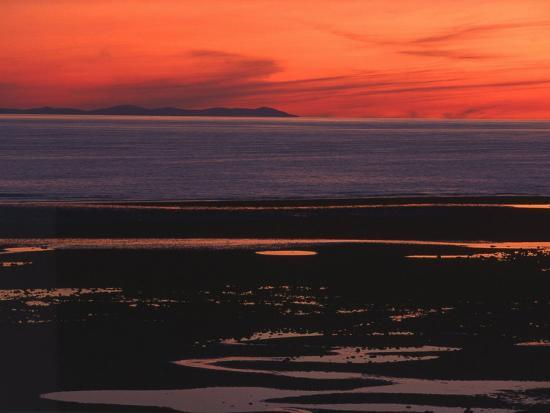sunset-view-from-walney-island-near-barrow-in-furness-towards-isle-of-man-lake-district