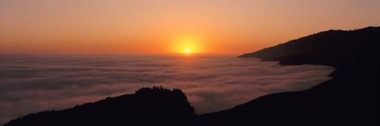 sunset-with-marine-layer-pacific-ocean-big-sur-california-usa