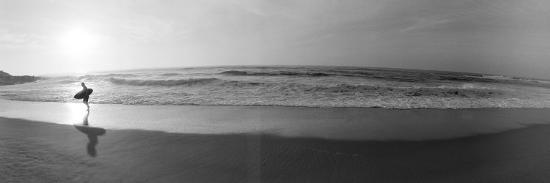 surfer-san-diego-california-usa