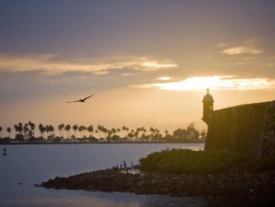 taylor-s-kennedy-silhouette-of-el-morro-at-sunset