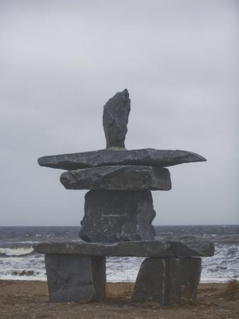 taylor-s-kennedy-stone-inukshuk-stands-at-the-edge-of-hudson-s-bay