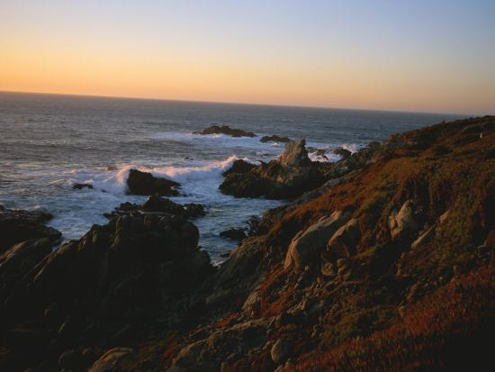 taylor-s-kennedy-sunset-along-the-coastline-of-big-sur-in-california