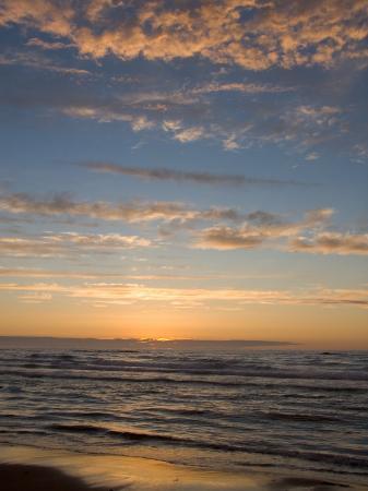 taylor-s-kennedy-sunset-on-prince-edward-island