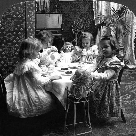 tea-party-c1902