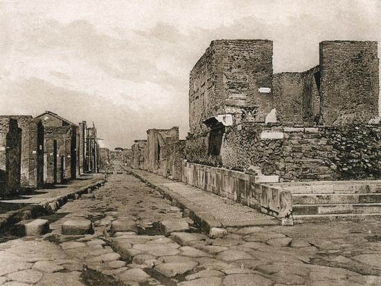 tempio-della-fortuna-pompeii-italy-c1900s