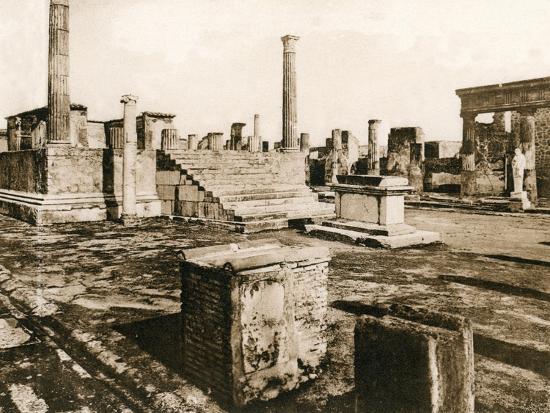 tempio-di-giove-pompeii-italy-c1900s