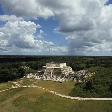 temple-of-warriors-group-of-thousand-columns-chichen-itza