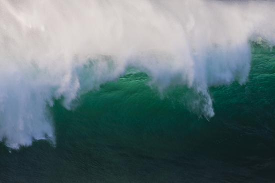 terry-eggers-hawaii-oahu-large-waves-along-the-pipeline-beach