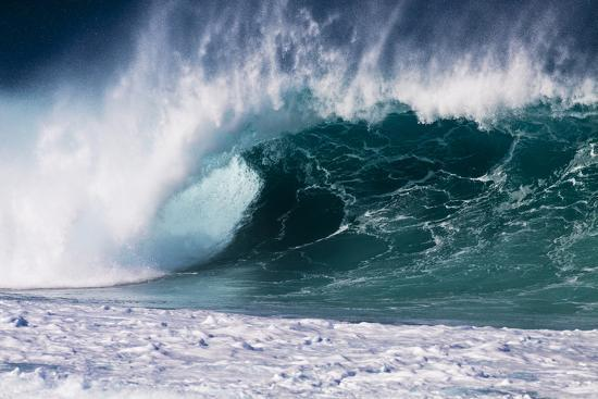 terry-eggers-hawaii-oahu-large-waves-along-the-pipeline-beach