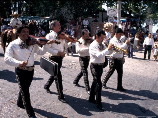 terry-eggers-parade-along-main-street-city-center-puerto-vallarta-mexico