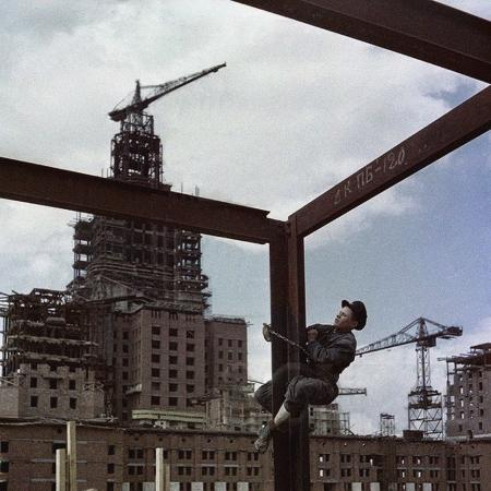 the-construction-of-the-main-building-of-moscow-state-university-on-lenin-hills