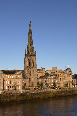 the-embankment-of-the-tay-river-and-st-matthew-s-church-perth-scotland-united-kingdom