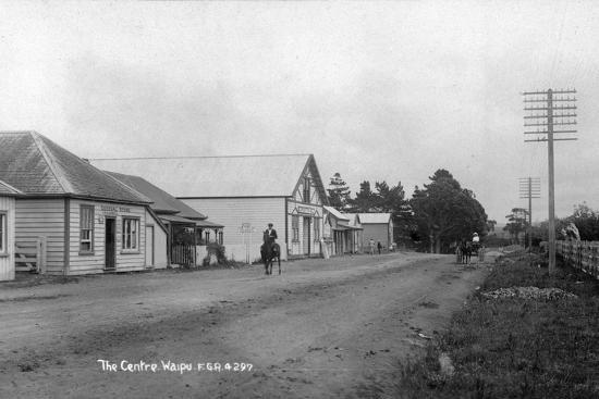 the-general-store-and-coronation-hall-in-the-centre-of-waipu