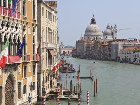 the-grand-canal-and-the-domed-santa-maria-della-salute-venice-veneto-italy