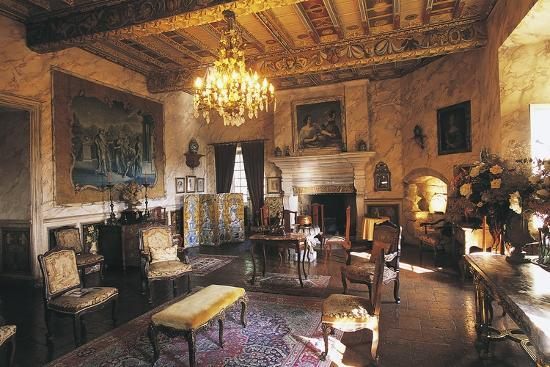 the-hall-of-chateau-of-mauriac-senouillac-midi-pyrenees-france