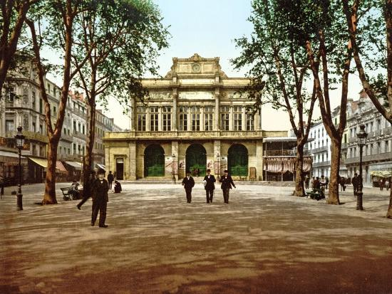 the-municipal-theatre-at-beziers-france-1890-1900