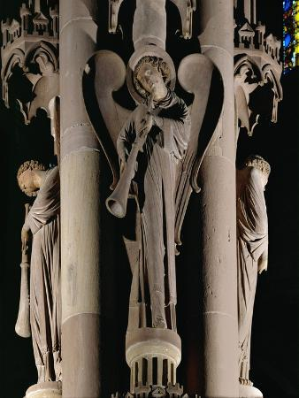the-pillar-of-the-angels-right-nave-13th-circa-ce