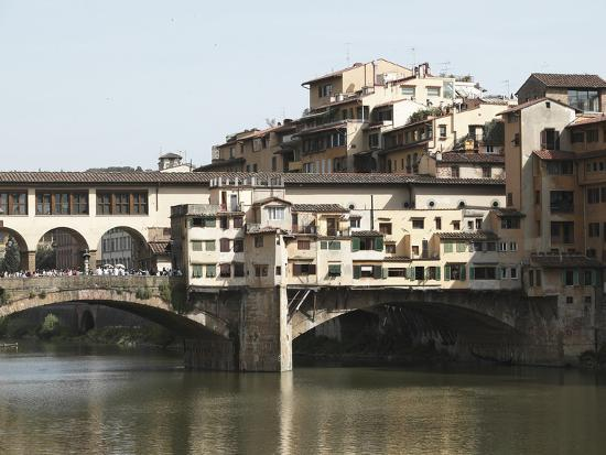the-ponte-vecchio-of-florence-spanning-the-arno-river
