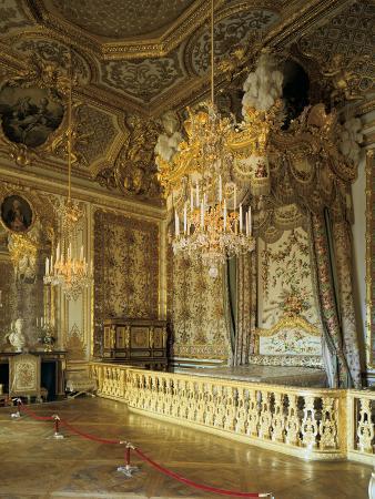 the-queen-s-bedchamber-the-queen-s-suite-grand-appartement-de-la-rein