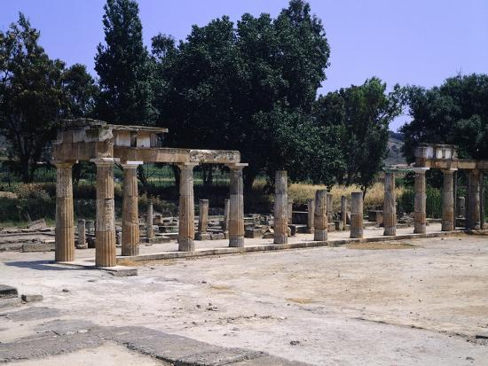the-sanctuary-of-artemis-in-brauron
