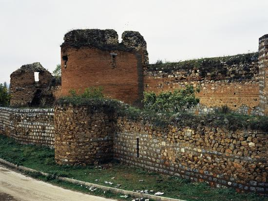the-walls-and-western-bastions-facing-lake-iznik-ancient-city-of-nicaea-iznik-turkey