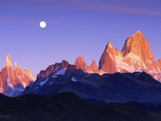 theo-allofs-moon-over-mount-torre-and-mount-fitz-roy-peaks