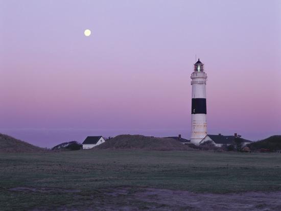 thomas-ebelt-germany-schleswig-holstein-kampen-lighthouse-evening-mood