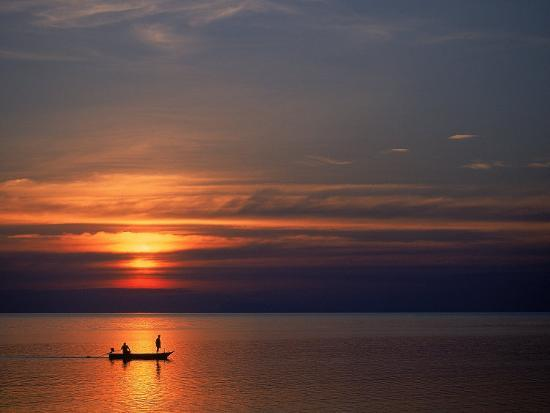 thomas-mcguire-boat-at-sunset-koh-phangan-thailand