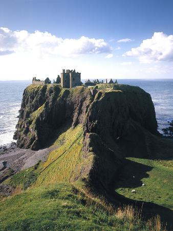 thonig-great-britain-scotland-east-coast-grampian-dunnottar-castle