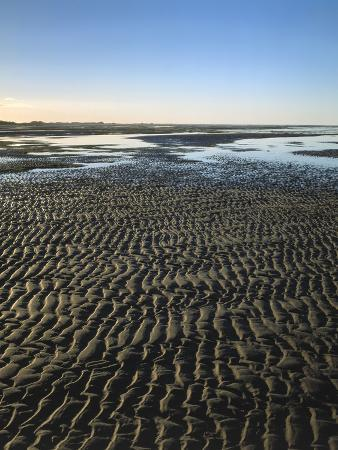 thonig-sea-beach-low-tide