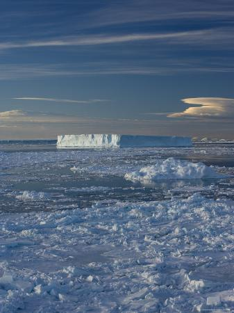 thorsten-milse-iceberg-and-pack-ice-weddell-sea-antarctic-peninsula-antarctica-polar-regions