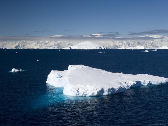 thorsten-milse-iceberg-lemaire-channel-weddell-sea-antarctic-peninsula-antarctica-polar-regions