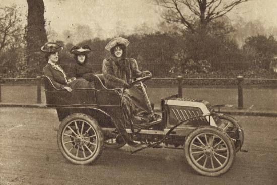 three-women-in-a-car