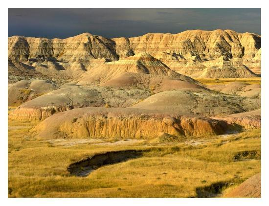 tim-fitzharris-eroded-buttes-and-prairie-in-badlands-national-park-south-dakota
