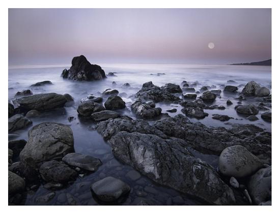 tim-fitzharris-full-moon-over-boulders-at-el-pescador-state-beach-malibu-california